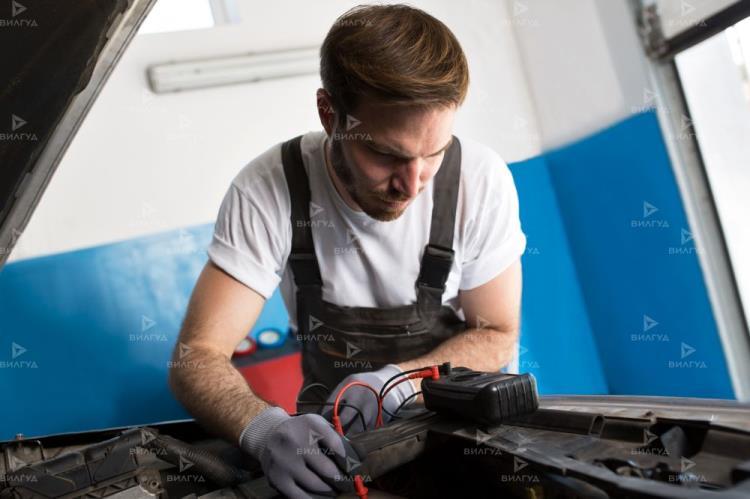 Замена пыльника рулевой тяги Nissan Sentra в Тюмени