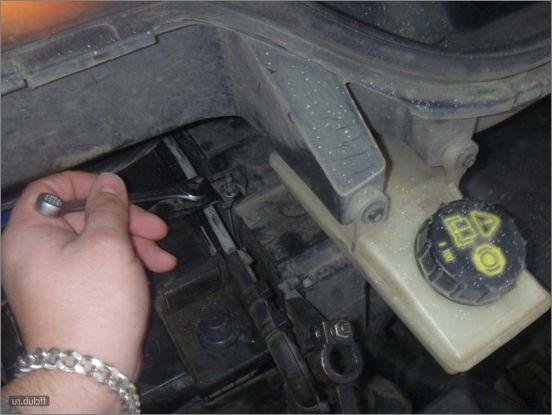 как снять акб форд с макс