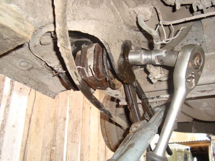 Замена сайлентблоков задней балки Nissan Micra в Тюмени