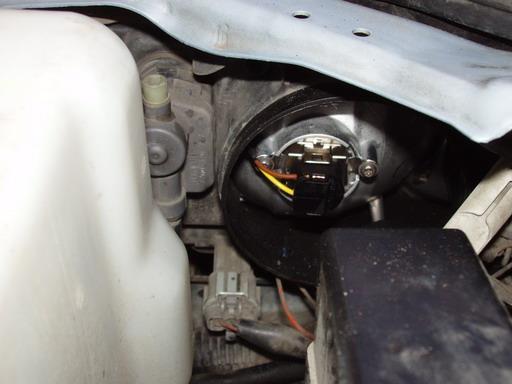 Резиновый колпак на фаре Nissan Primera