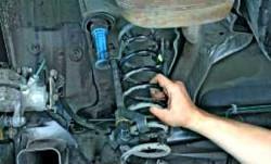 Замена пружины задней подвески