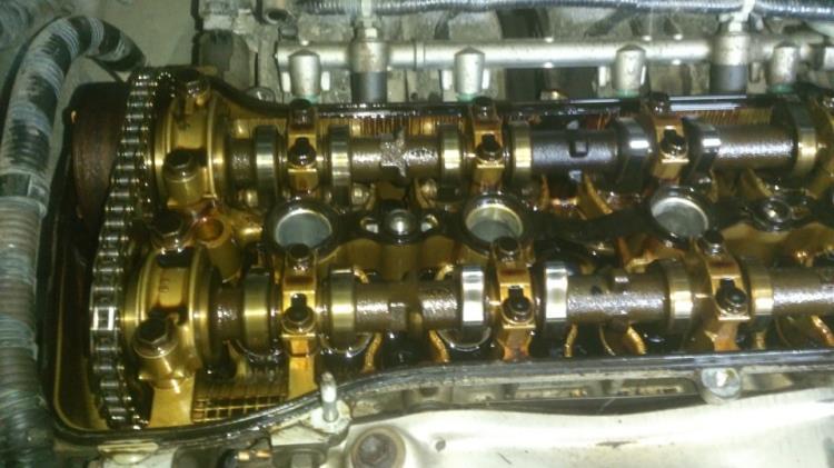 Старая прокладка головки блока цилиндров Toyota RAV4