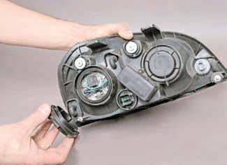 Замена ламп наружного освещения Шевроле Лачетти