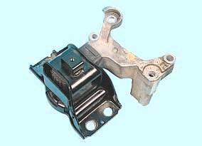 Правая опора подвески двигателя Nissan Cashcai