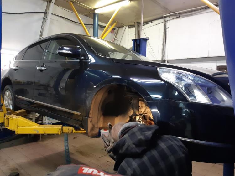 Попытка снятия правого привода Nissan Teana
