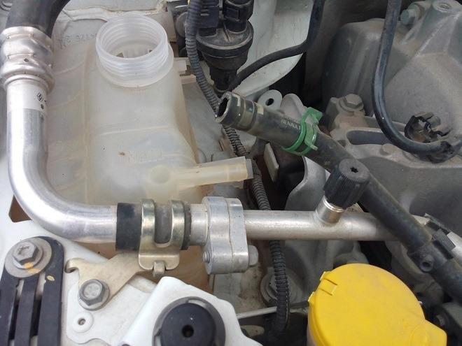 замена охлаждающей жидкости в меган 2