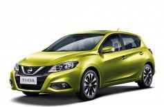Замена стекла на Nissan Tiida