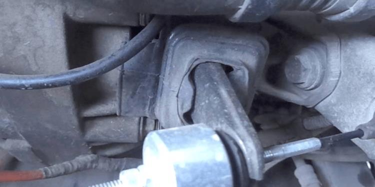 Замена тросика сцепления на Renault Logan