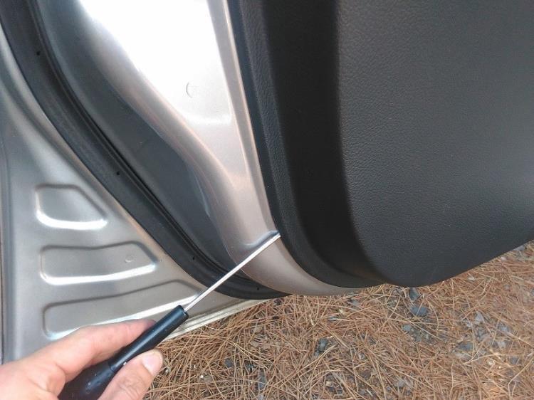 Снятие и установка обивки передней двери Nissan Note 2004 - 2012