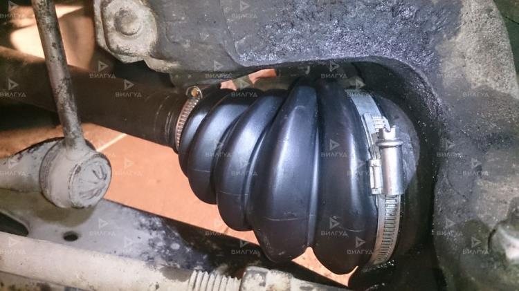 Замена пыльника шруса Toyota Auris в Тюмени