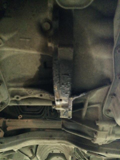 Протекающий сальник коленвала Toyota Camry