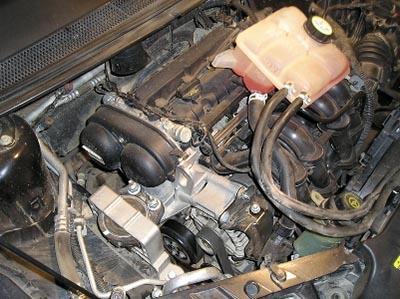 Снимаем генератор с автомобиля Форд Фокус