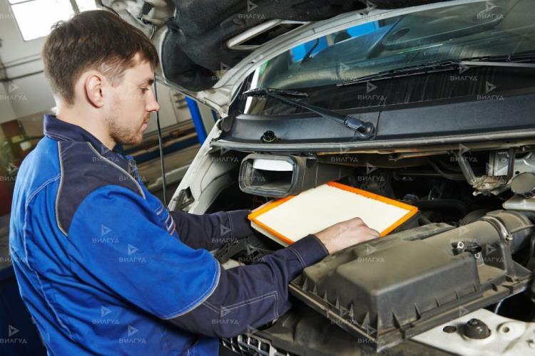 Замена радиатора кондиционера Ford S Max в Тюмени